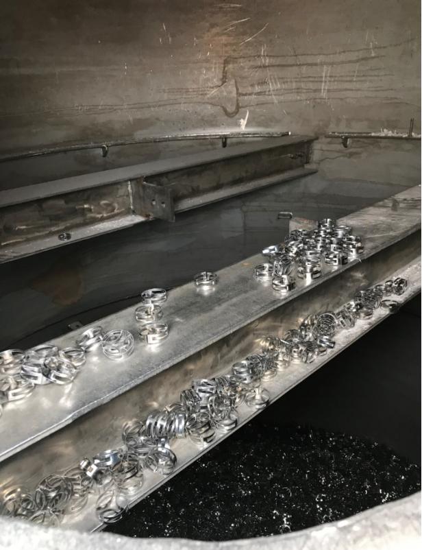 金属扁环应用于脱硫塔的安装现场